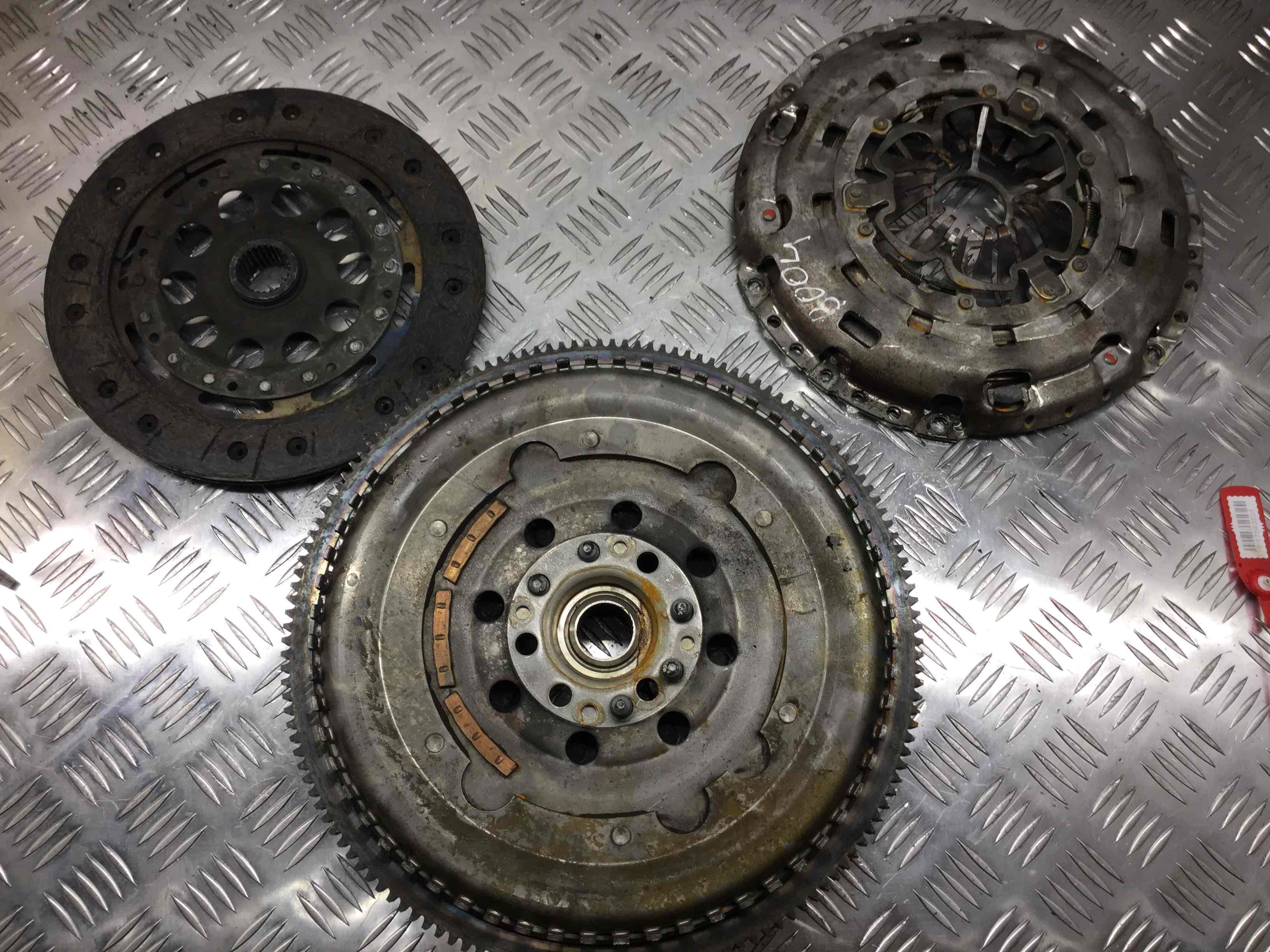 Фото 'Chrysler PTCruiser Маховик 6640300005;  0415036410;  5073609AA '